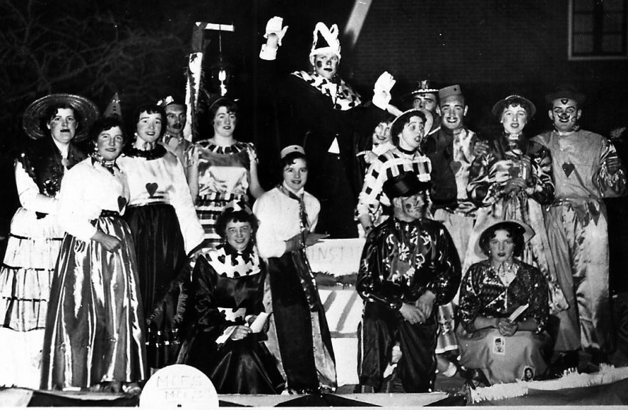1959 Prins Tito de Rabbelzak en gevolg